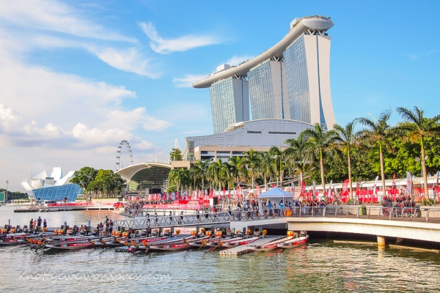 Boat race in front of the Maria Bay Sands hotel and shopping center